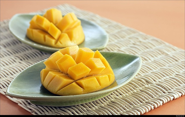 Eating Mangoes with CBD